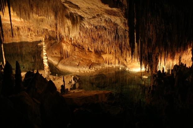 Interior_de_las_Cuevas_del_Drach